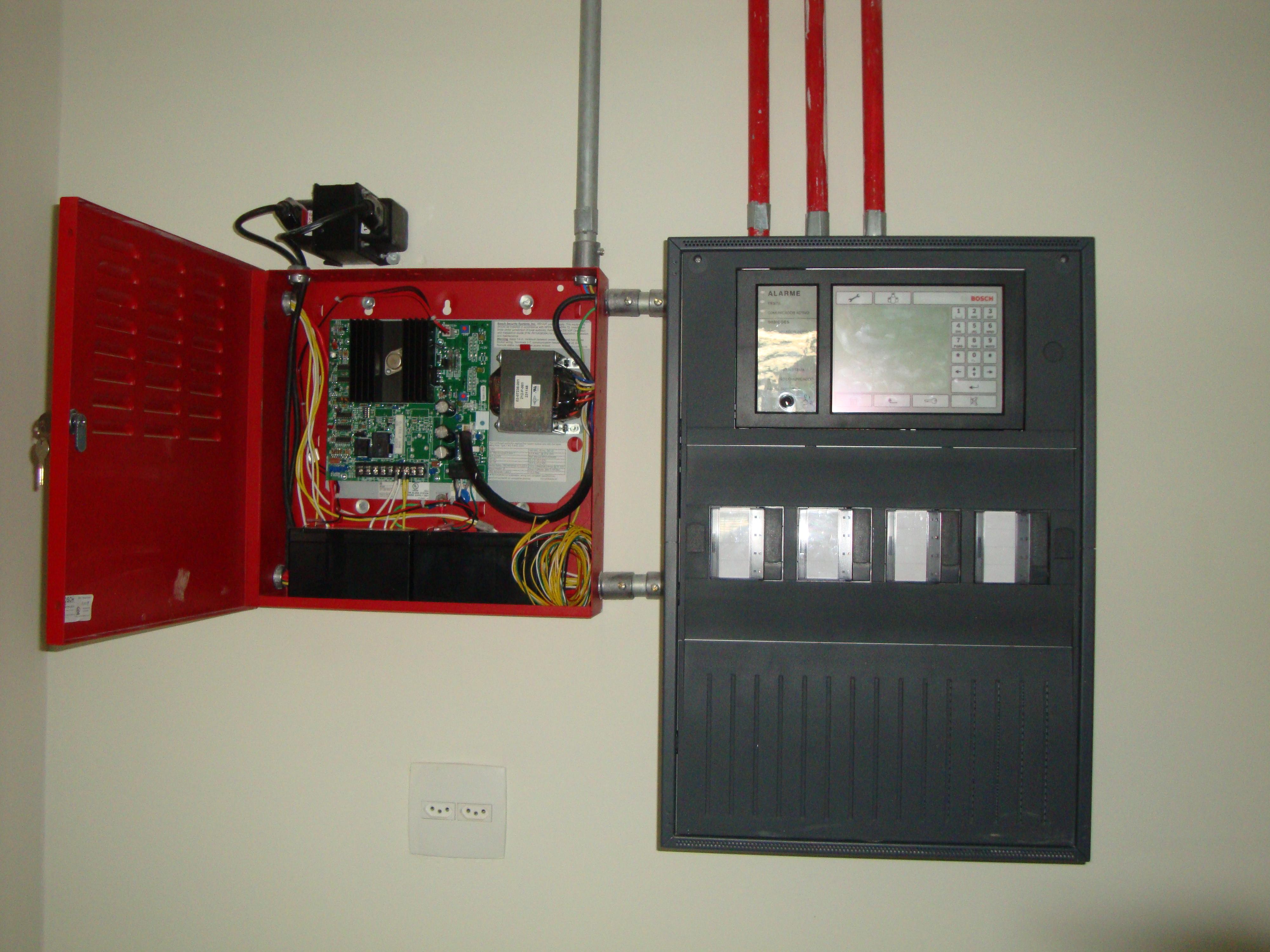 Realização de obras e sistemas de canalização água gás e elétrica