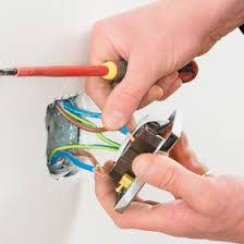 Engenharia de sistemas de iluminação elétricos e hidráulicos